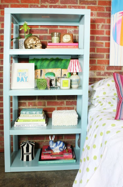 półka do sypialni