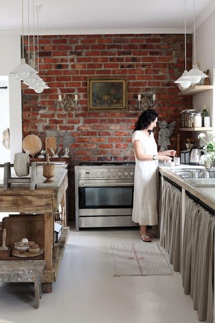 ściana z cegły kuchnia