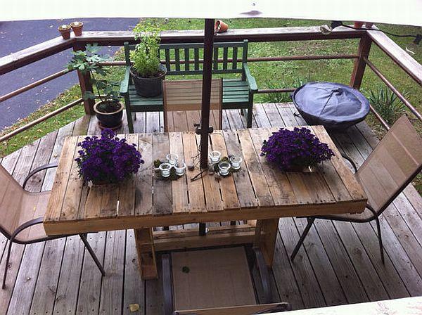 stół z palet drewnianych