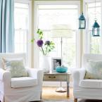 Uroczy dom w beżowo-niebieskim zestawieniu z Better Homes&Gardens.