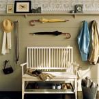 12 ciekawych pomysłów na wieszaki, półki i inne organizery w przedpokoju