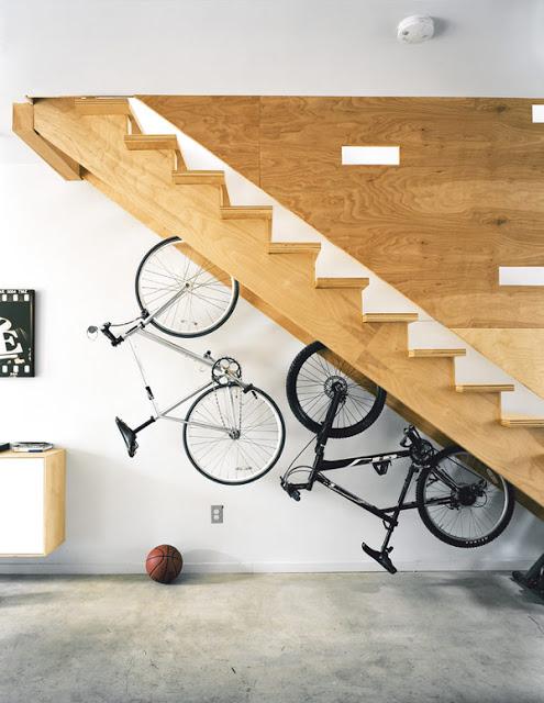 oryginalne pomysły na aranżację pod schodami