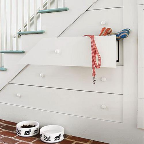 szuflady pod schodami