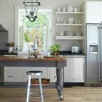 11 inspirujących pomysłów na krzesła barowe w kuchni – aranżacje wnętrz z wyspami kuchennymi