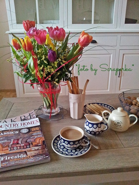 aranżacja stolika kawowego