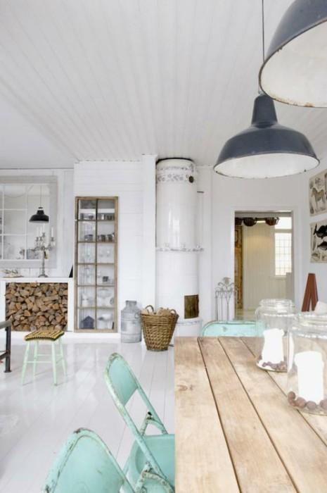 białe panele na ścianie w jadalni