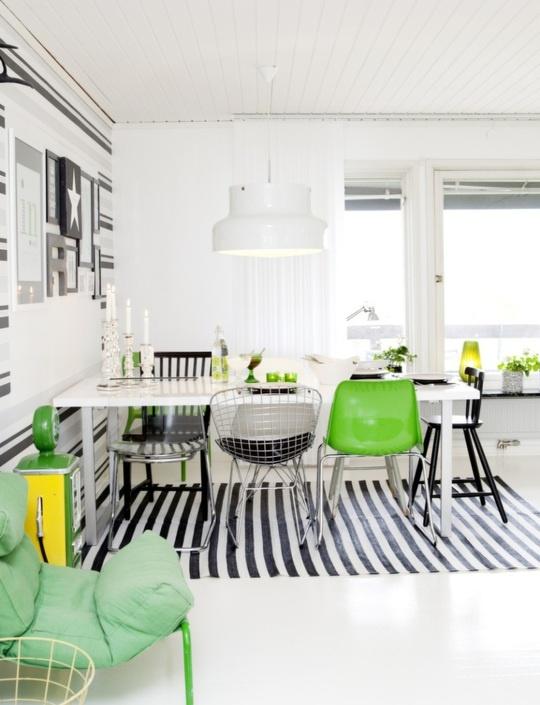 zielone krzesła,czarne krzesła,metalowe krzesła,skandynawska jadalnia