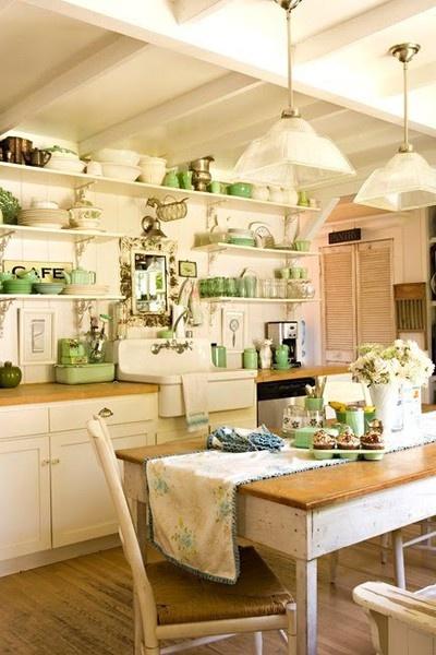 Zielone Dodatki W Pokoju I Kuchni W Stylu Nowoczesnej