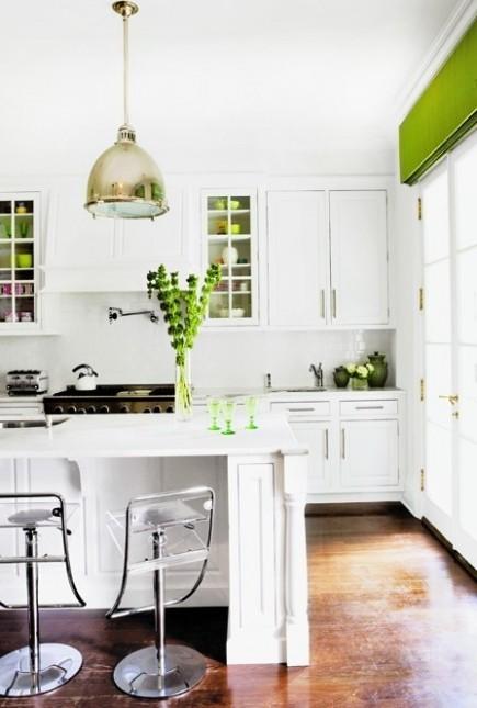 kuchnia w bieli i zieleni