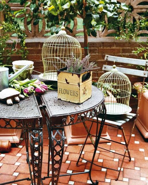 jak urzadzic mały balon,ute meble ogrodowe,czarne metalowe meble do ogrodu,klasyczne kute meble