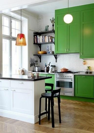 zielone szafki w kuchni