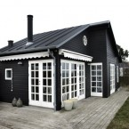 Sposoby na aranżację małych wnętrz, czyli dom o powierzchni 42 m2 o urzekającym klimacie (biel i drewno w roli głównej :)