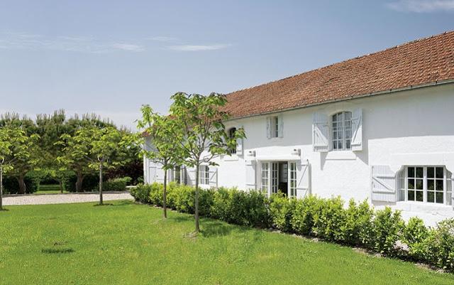 biały dom,adaptacja stodoły,biała stodoła