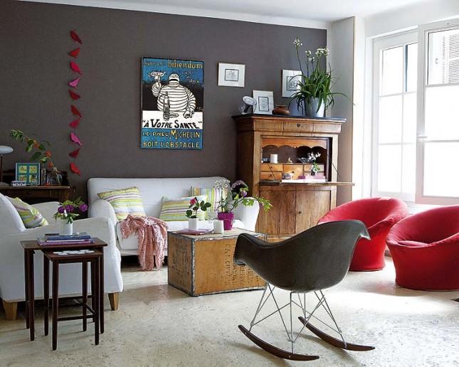 salon z szarą,grafitową ścianą
