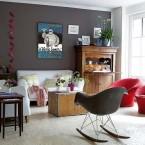 Trzy pomysły na urządzenie salonu w odcieniach koloru białego i szarego z czerwonymi akcentami, czyli poniedziałkowe zakupy on-line