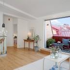 Białe mieszkanie inspirowane skandynawską funkcjonalnością z przyjemnym balkonem :)