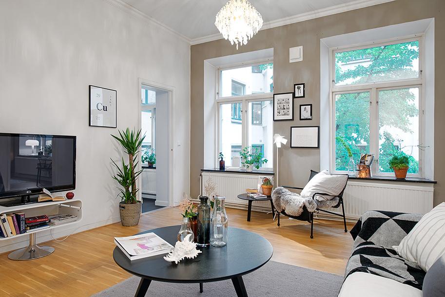 skandynawski styl w salonie, jak urządzić salon w beżach i bielil