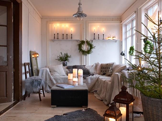 świąteczne dekoracje w salonie