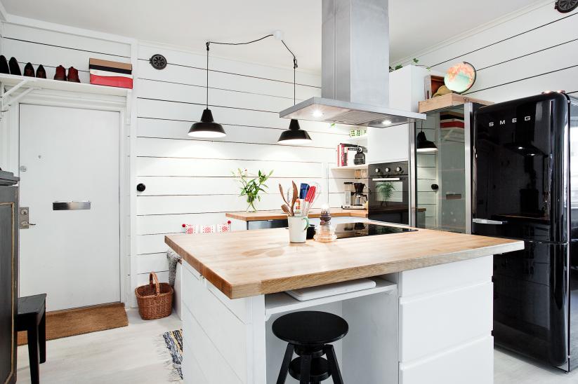 Jak urządzić małą kuchnię z wyspą w kształcie kwadratu?
