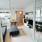 Polska aranżacja mieszkania o pow. 50 m2 w dominujące bieli i pięknym drewnie