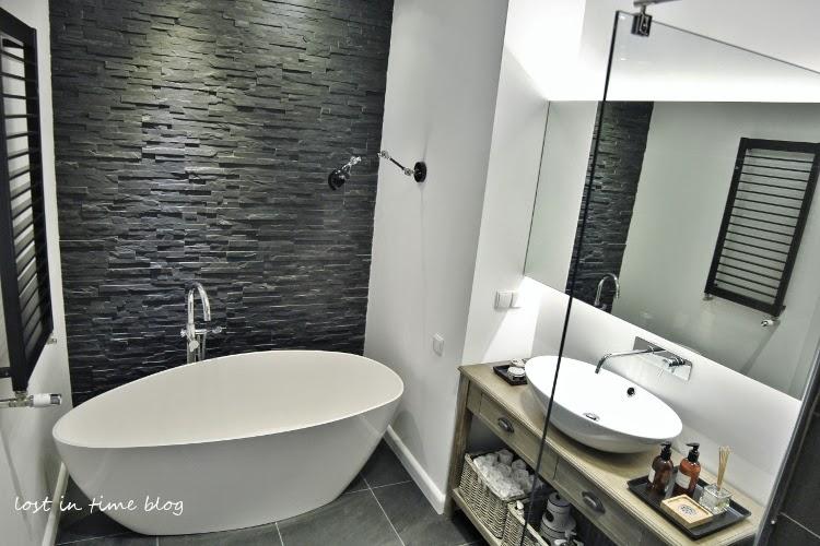 Aranżacja łazienki Z Wanną I Prysznicem  Lovingit