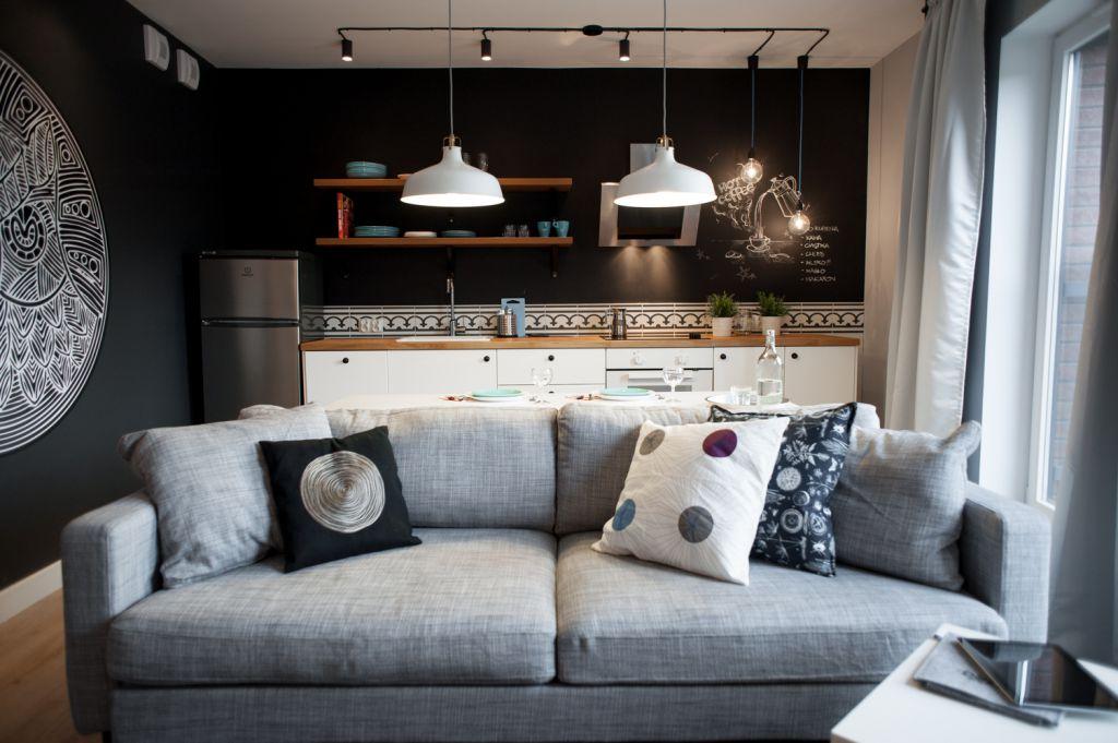 Jak urz dzi kuchni ze cian z farby tablicowej w for Decorar departamentos 2 ambientes