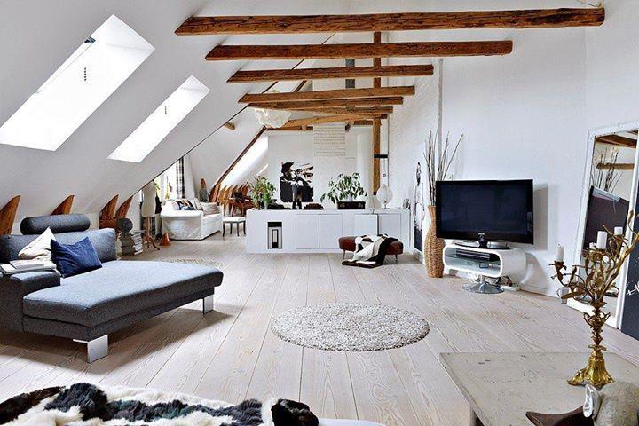 attic loft ideas - Jak urządzić mieszaknie z drewnianymi belkami