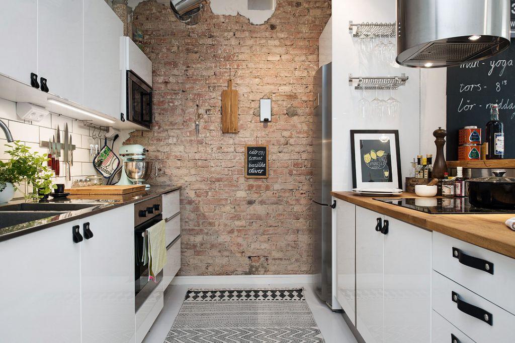 czerwona cegła w kuchni