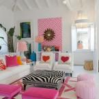 salon z różowymi dodatkami