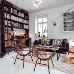 Wysokie mieszkanie o nieregularnym kształcie z drewnianymi meblami i naprawdę oryginalnym klimatem…