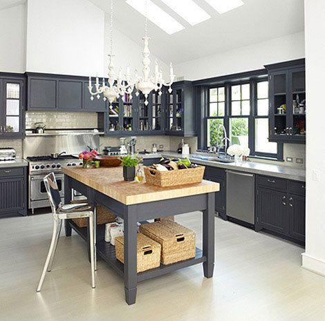 Kuchnia W Ciemno Szarym Kolorzegrafitowa Zdjęcie W