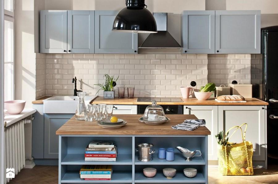 Jak urządzić błękitną kuchnię i polskie mieszkanie pełne kolorów? -> Kuchnia Biale Cegly