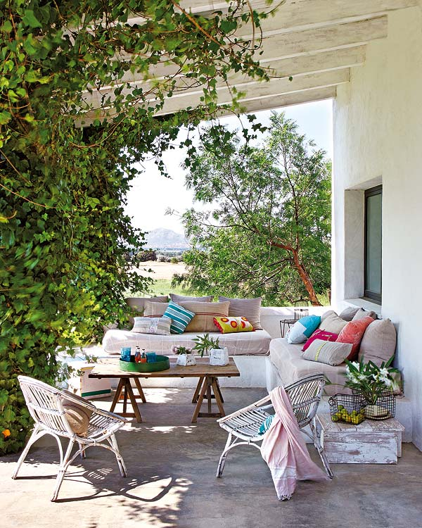 Dekoracja balkonu i tarasu – meble na balkon  Lovingitpl