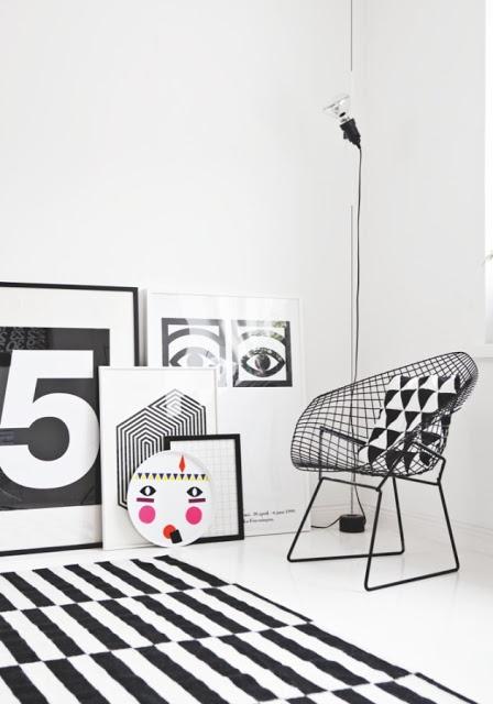 Dywan W Czarno Białe Paski Dywany Ikea Typografie