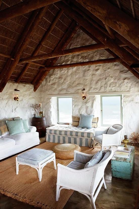 Belki drewniane na suficie galeria zdj for Disegni casa cottage