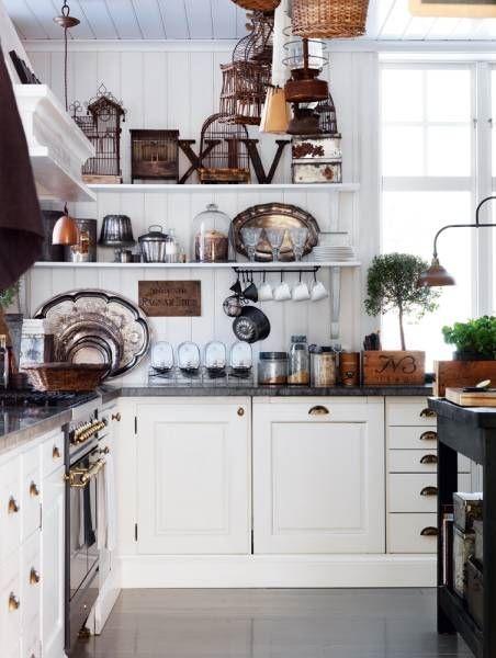 Szafki kuchenne czy otwarte p ki w kuchni co wybra for Cocinas vintage blancas